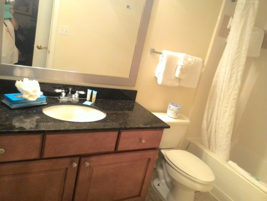 Oak Plantation Resort : full bathroom