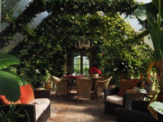 Retiro Park Lodge: conservatory
