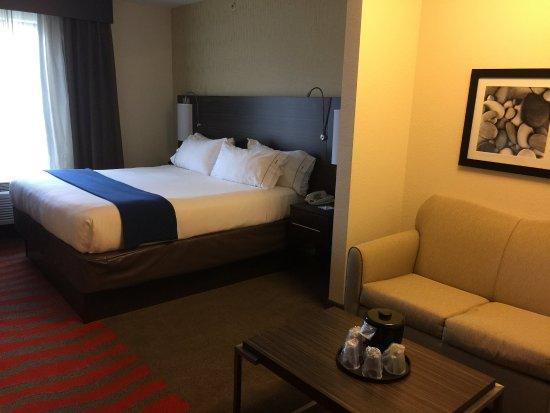Bradford, PA: King Suite
