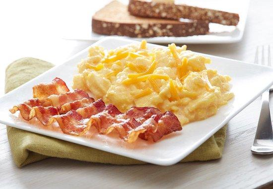 Cedar Rapids, IA: Warm Up to Our Hot Breakfast