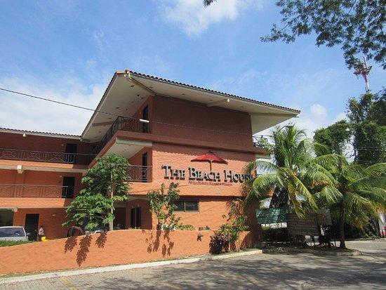 The Beach House Hotel Exterior