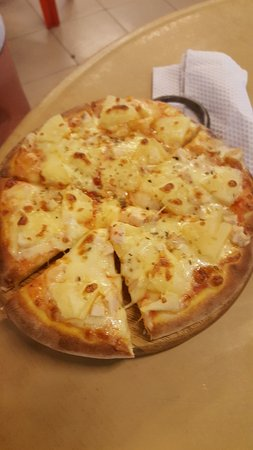 Long Beach Hawaiian Pizza