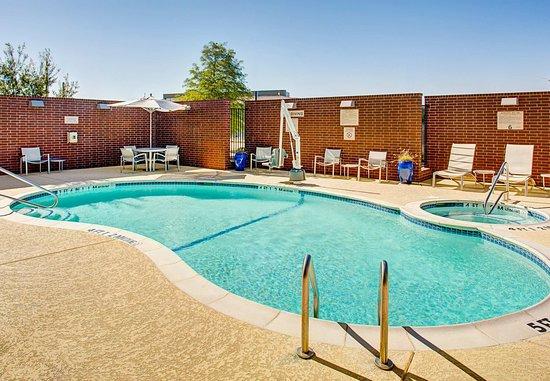 Richardson, TX: Outdoor Pool