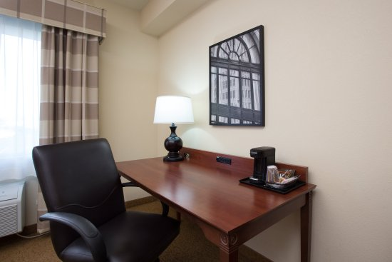 Country Inn & Suites By Carlson, Buffalo South I-90: King -standard desk area