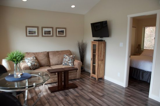 Port Hardy, Canada: Gatehouse - Living area