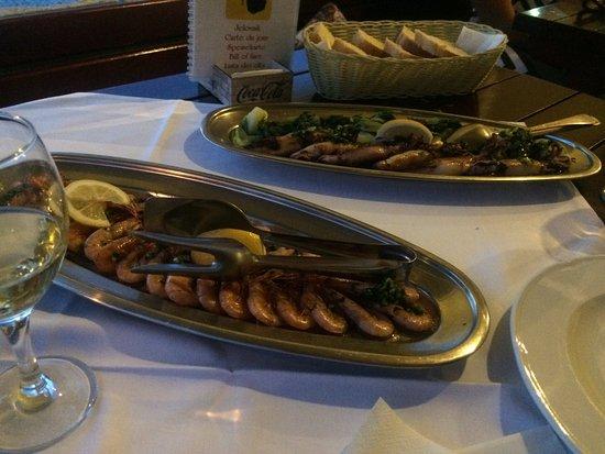 Zaton, Croacia: Urval av maten som vi älskade. Lever, cevavpcici, räkor, bläckfisk. Underbar service och familjä