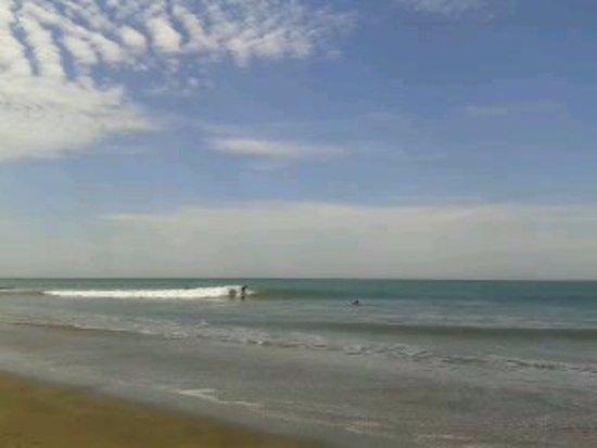 Organos, Peru: playa y surf