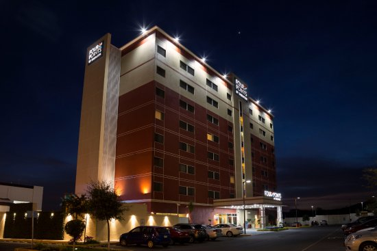 Juriquilla, México: Fachada Hotel Four Points By Sheraton