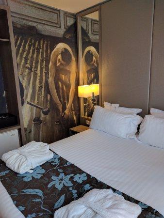 photo0.jpg - Picture of Hotel Turenne Le Marais, Paris - TripAdvisor