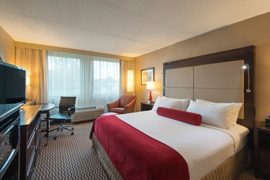 Woburn, MA: King Accessible Guest Room