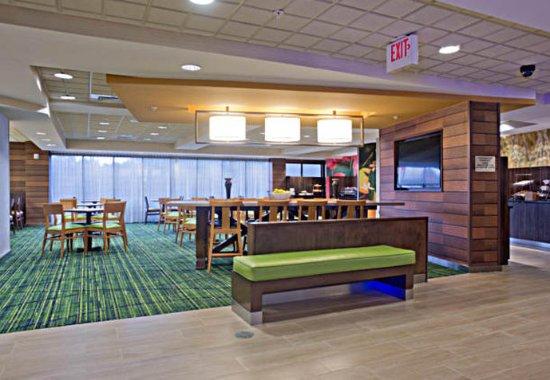 Fairfield Inn & Suites Valdosta: Dining Area