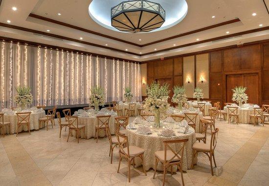 JW Marriott Panama Golf & Beach Resort: Grand Ballroom    Wedding Setup