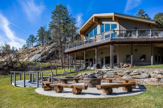 K Bar S Lodge: Exterior