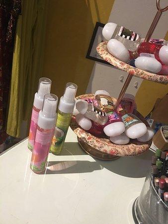Granada, Nicaragua: Shop at the Boutique Side