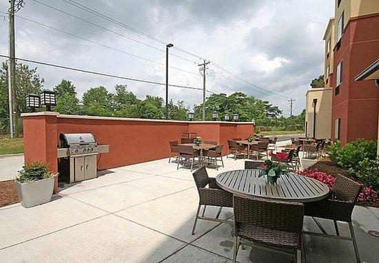 Aiken, Carolina del Sud: Outdoor Patio & BBQ Area
