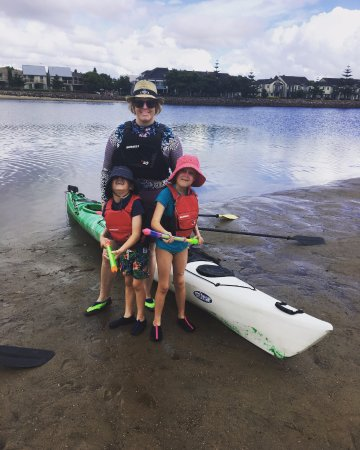 Newcastle, Australien: The kids and I ready to take off