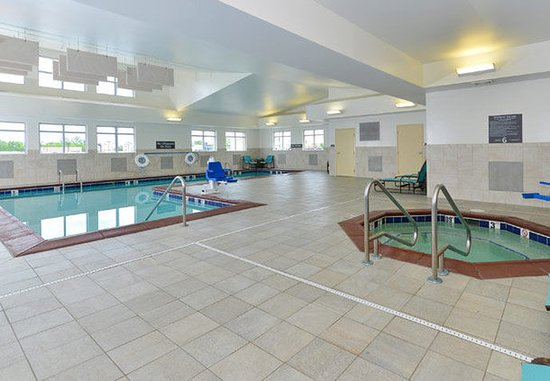 Champaign, IL: Indoor Pool & Whirlpool