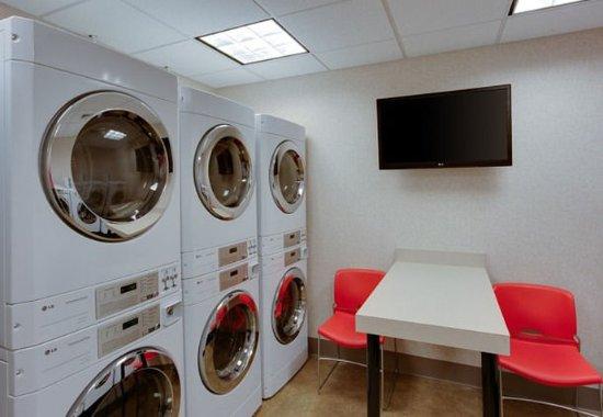 Chicopee, ماساتشوستس: Guest Laundry
