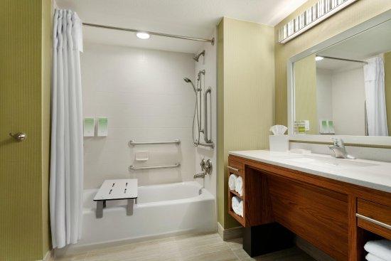 Lakewood, CO: Accessible Bathroom Tub
