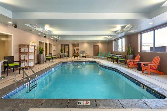 Lakewood, CO: Pool