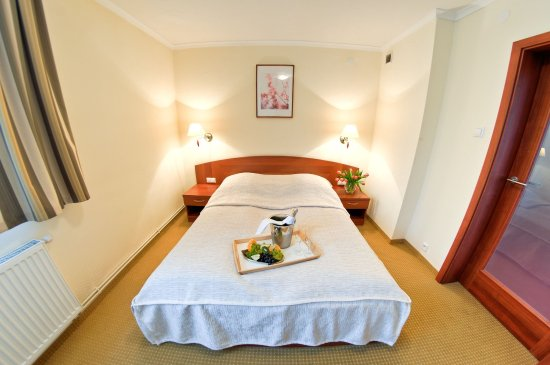 Tychy, Pologne : DOUBLE STANDARD ROOM