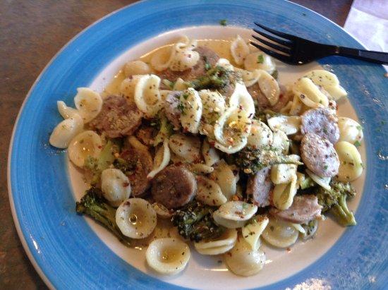 Fairfax, Βιρτζίνια: Orecchiete with sausage and broccoli at Tony's NY Pizza.