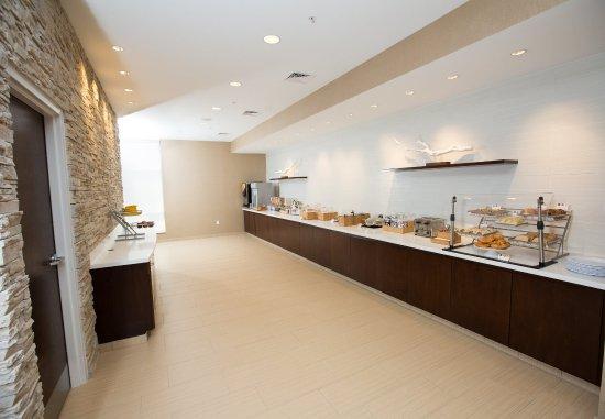 Bloomington, IN: Breakfast Buffet