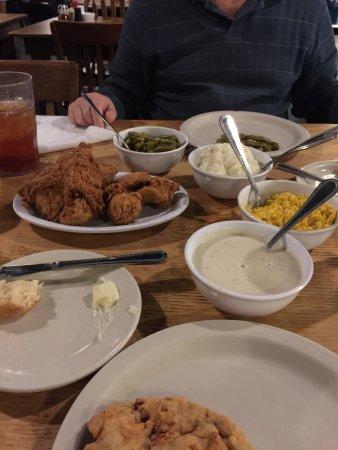 Belle's Chicken Dinner House: Chicken and chicken fried steak...family style sides