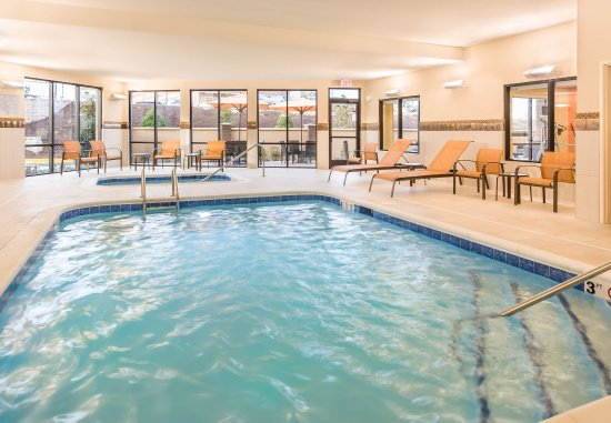 Stafford, VA: Indoor Pool & Whirlpool