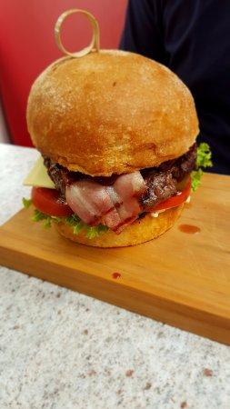 Ohakune, New Zealand: Yammi Burger