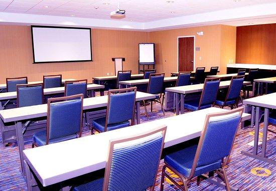Pearl, MS: Meeting Room    Classroom Setup