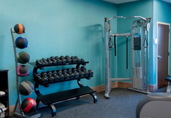Urbandale, IA: Fitness Center    Free Weights