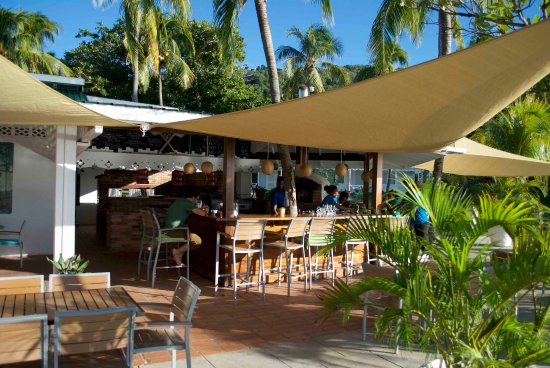 Princess Margaret Beach: beach restaurant ,- bar
