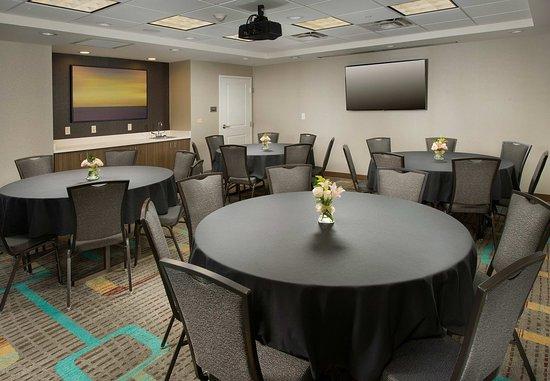 Murfreesboro, TN: Rutherford Meeting Room - Banquet Setup