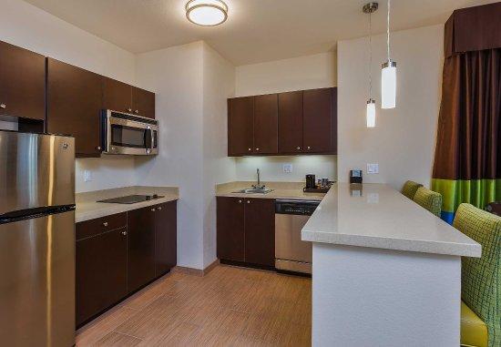Norco, Californië: Suite Kitchen