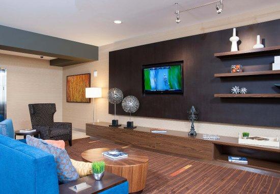 Peoria, IL: Lobby Lounge