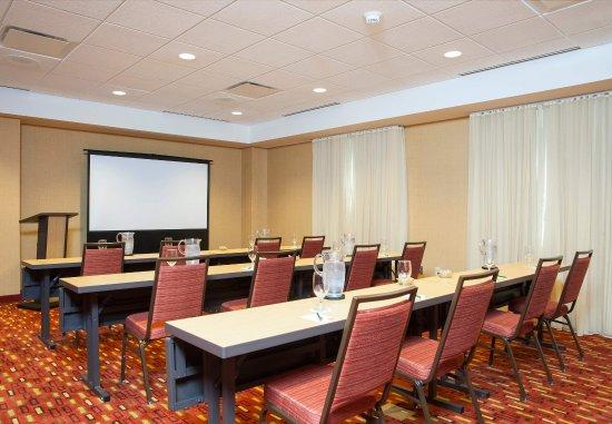 Peoria, IL: Altorfer Meeting Room    Classroom Setup