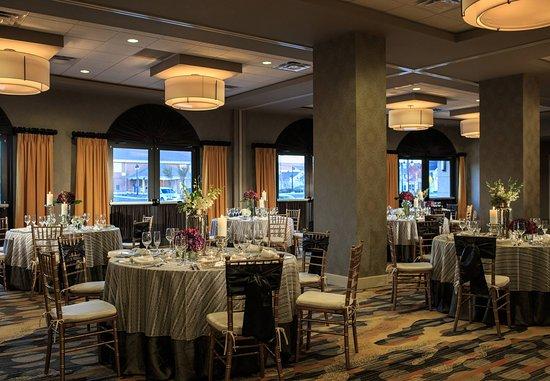 Lansdale, PA: The Forum Ballroom    Wedding Setup