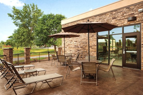 Ankeny, IA: Pool Patio