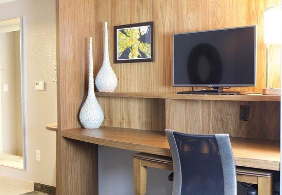 Fletcher, North Carolina: Suite Work Desk