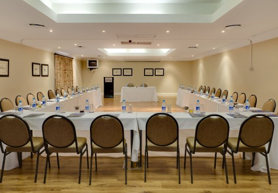 Mafikeng, Sør-Afrika: Meeting Room    U-Shape Setup