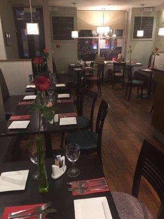 Guisborough, UK: The restaurant when we arrived!