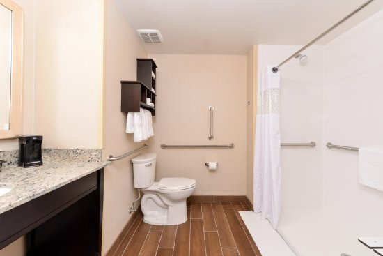 Douglas, WY: Bathroom