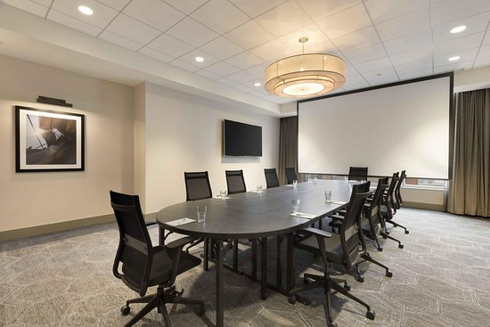 Meeting Boardroom - Picture of Homewood Suites by Hilton Chicago ...