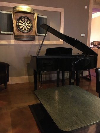 London, KY: Nice sitting area with Piano.