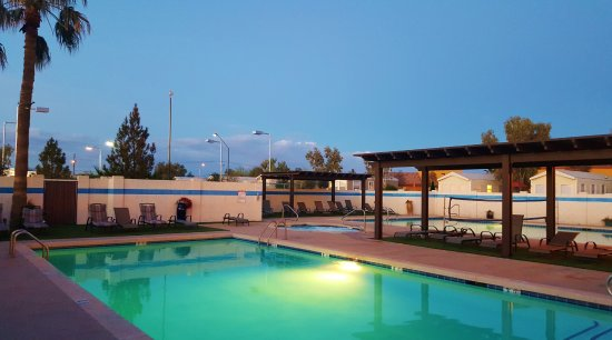 Casa Grande, AZ: Two Heated Pools and Jacuzzi