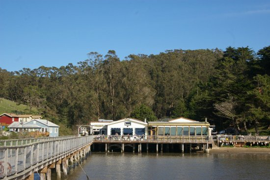 Marshall, CA: The outdoor patio and pier at Nick's Cove