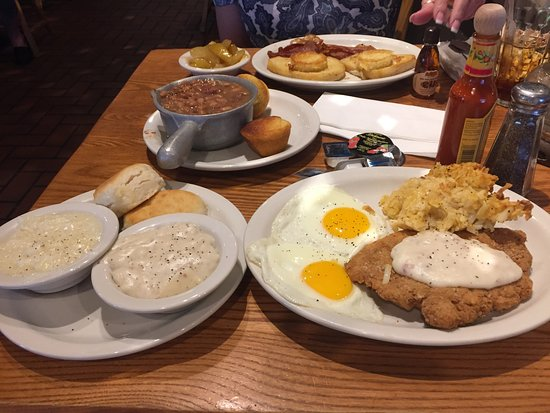 Photo of American Restaurant Cracker Barrel at 1475 Sw 8th St, Boynton Beach, FL 33426, United States