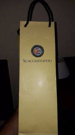 Montefalco, إيطاليا: Sagrantino di Montefalco. 21€. Eccellente. Rosso di montefalco 10€ buono
