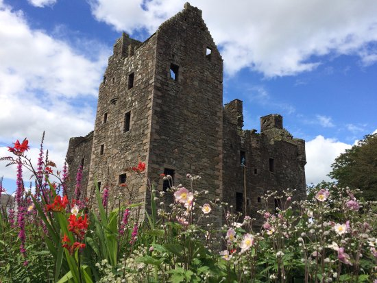 Dumfries, UK: MacLellan Castle